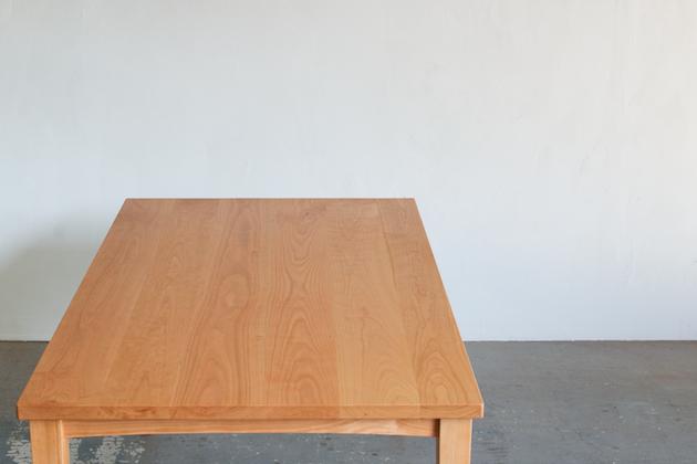 無垢チェリー材テーブル