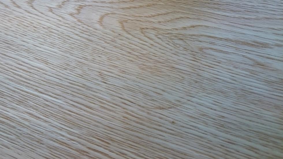 テーブルの輪染み