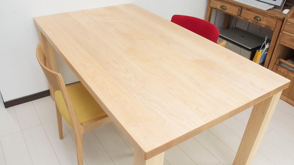 納品事例:メープル材テーブル&ナラ材チェア