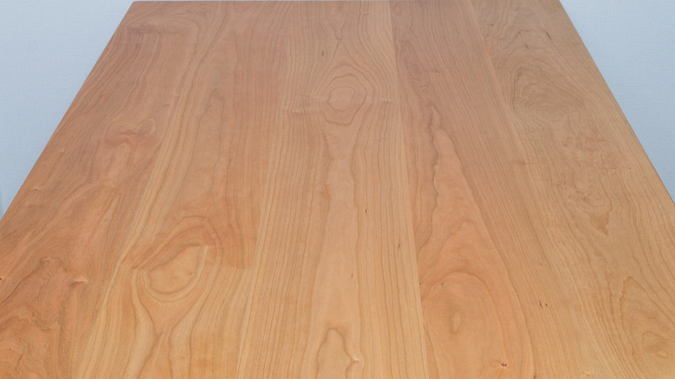 納品事例:チェリー材無垢テーブル&ENNチェア