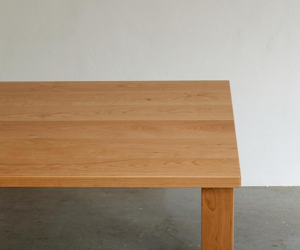 ストレートカットテーブル